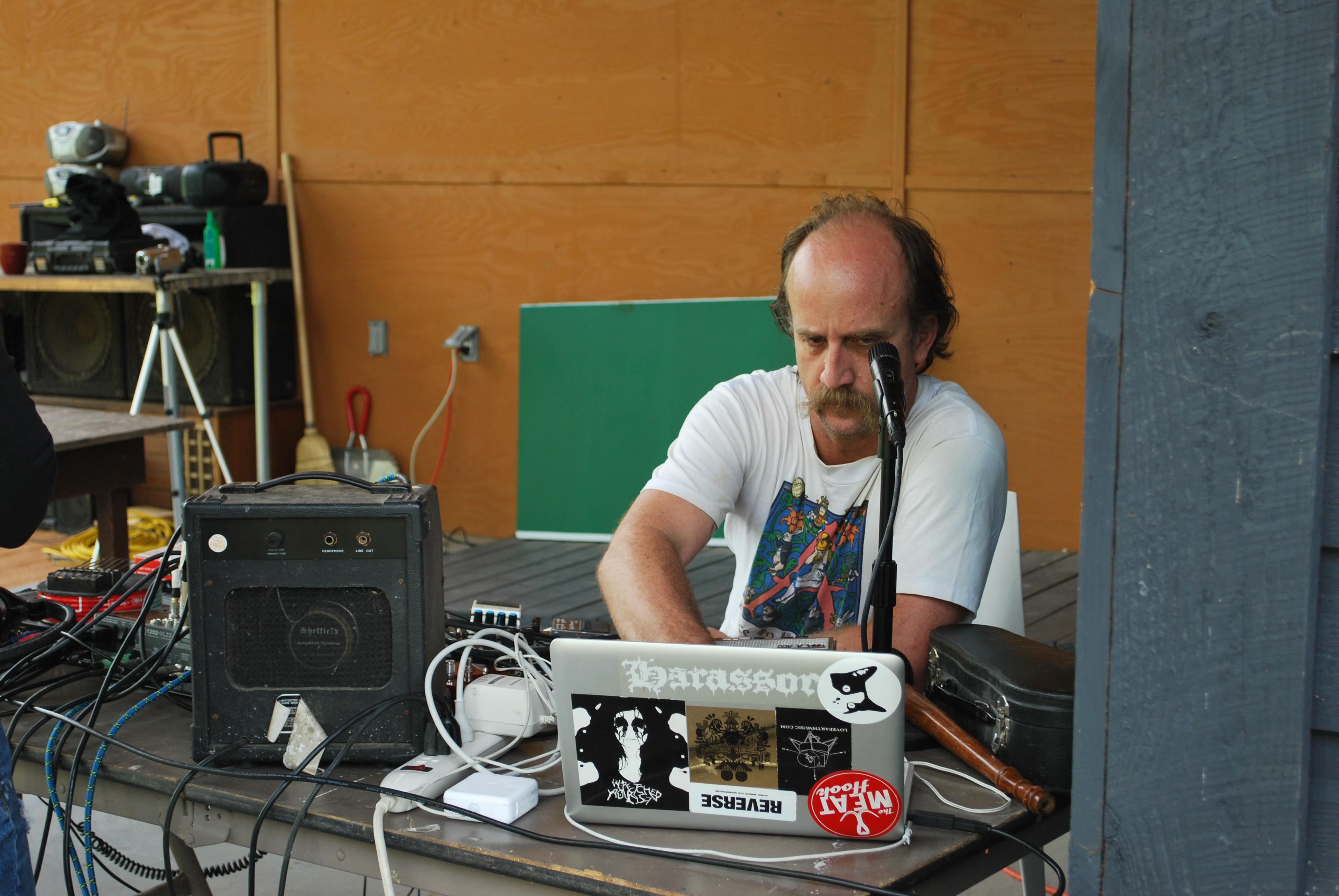 Bob Bellerue performs at Wave Farm
