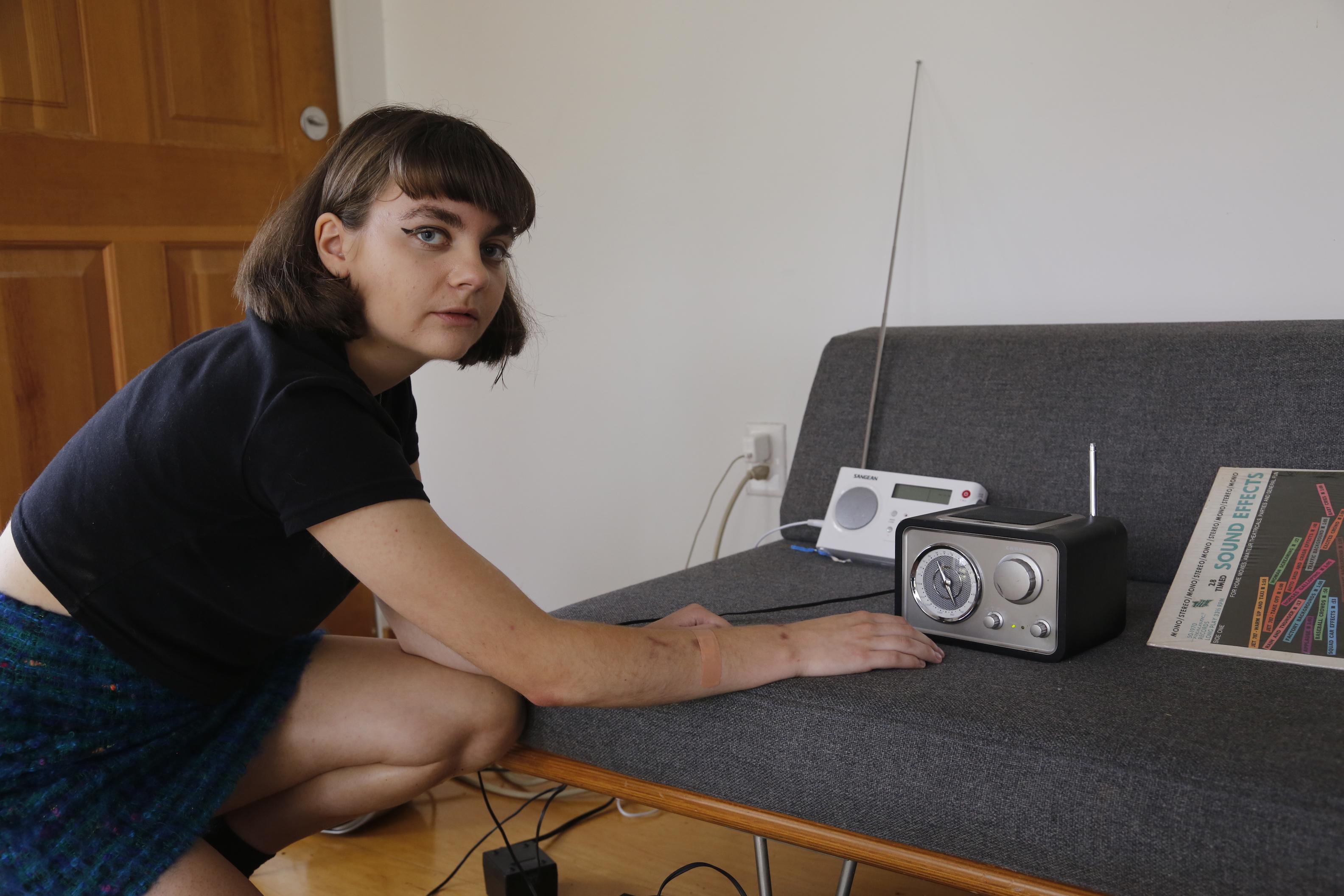 Clara Lou With Radios: Image 2
