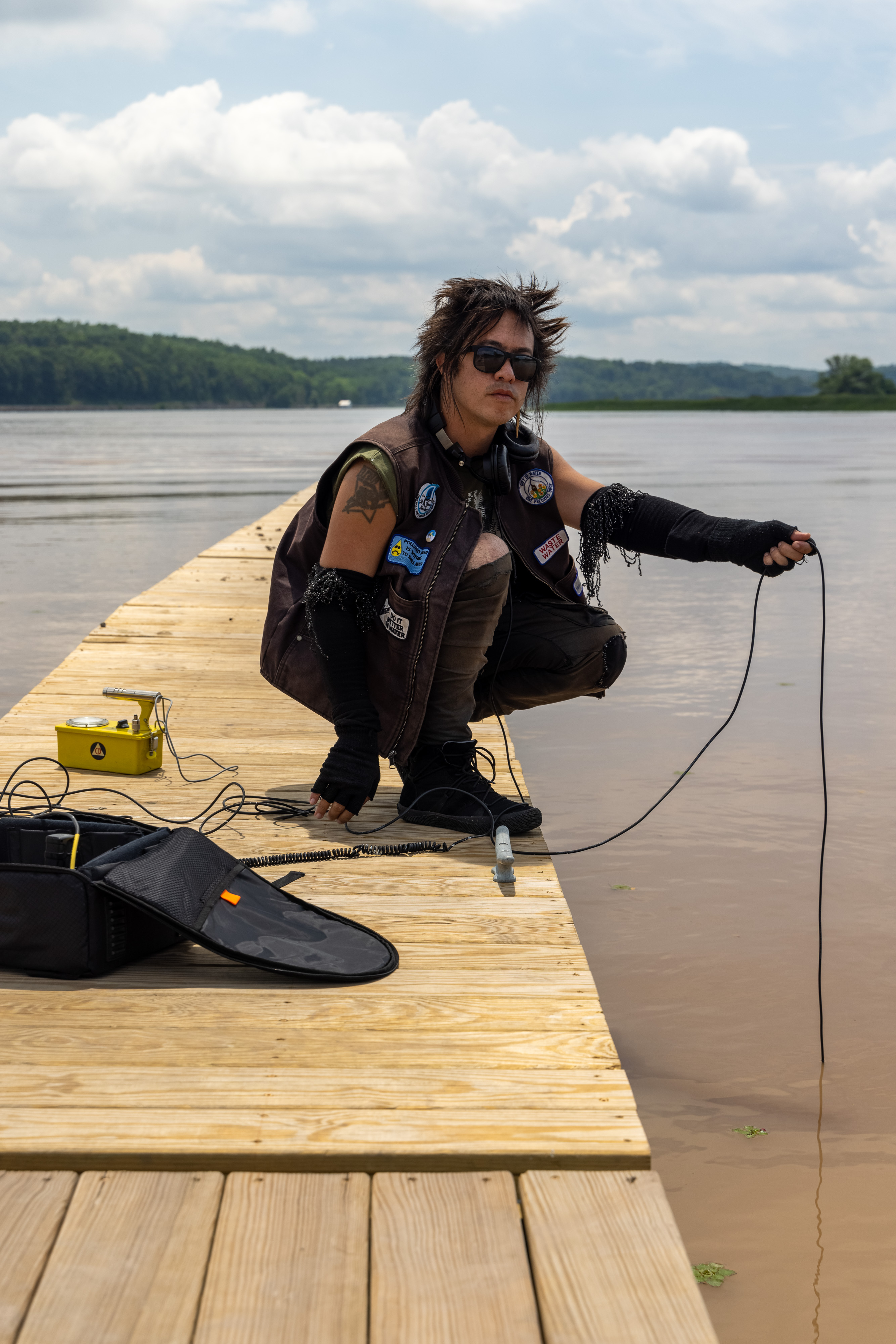 sTo Len Recording the Hudson River during his Wave Farm Residency (6)