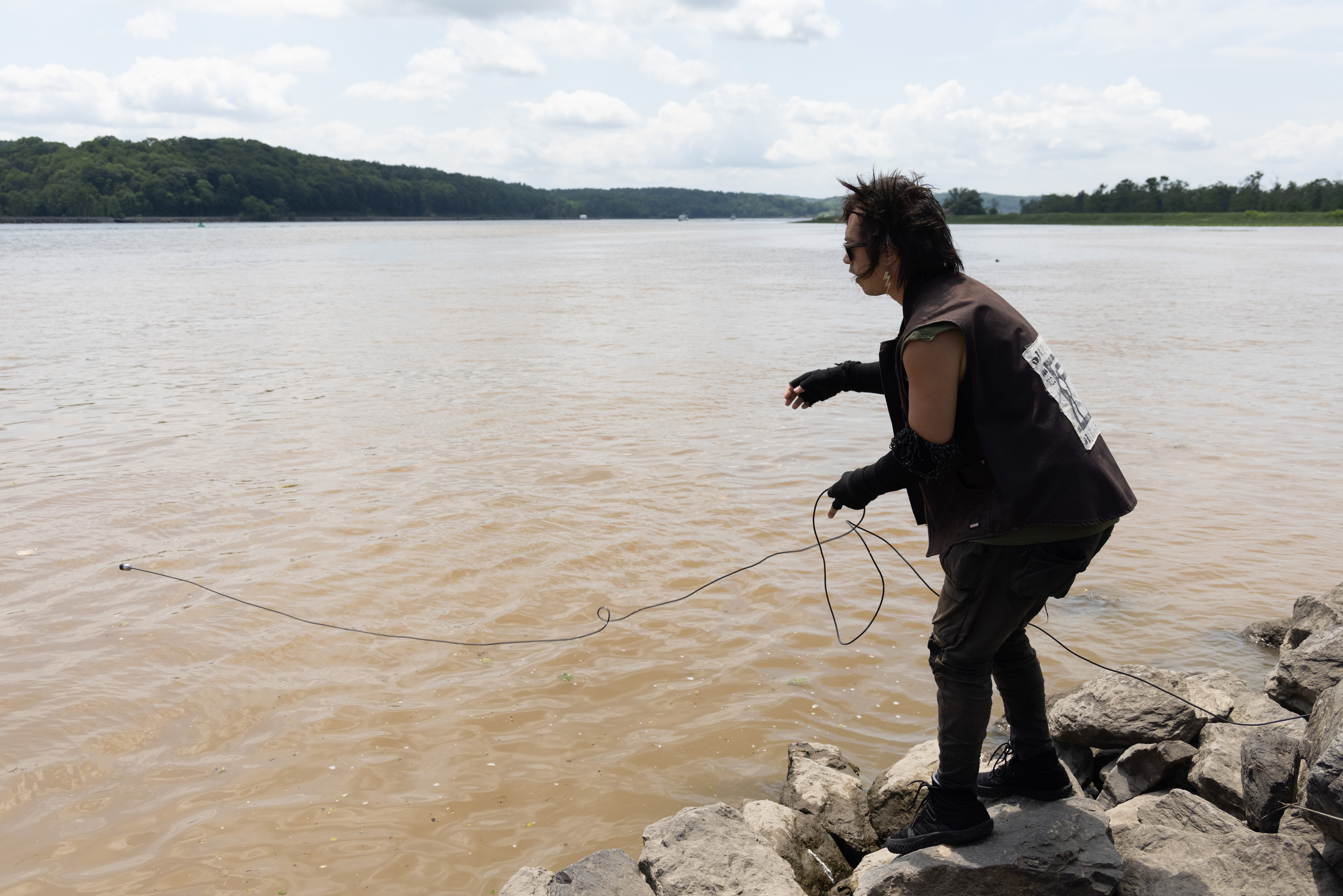sTo Len Recording the Hudson River during his Wave Farm Residency (10)