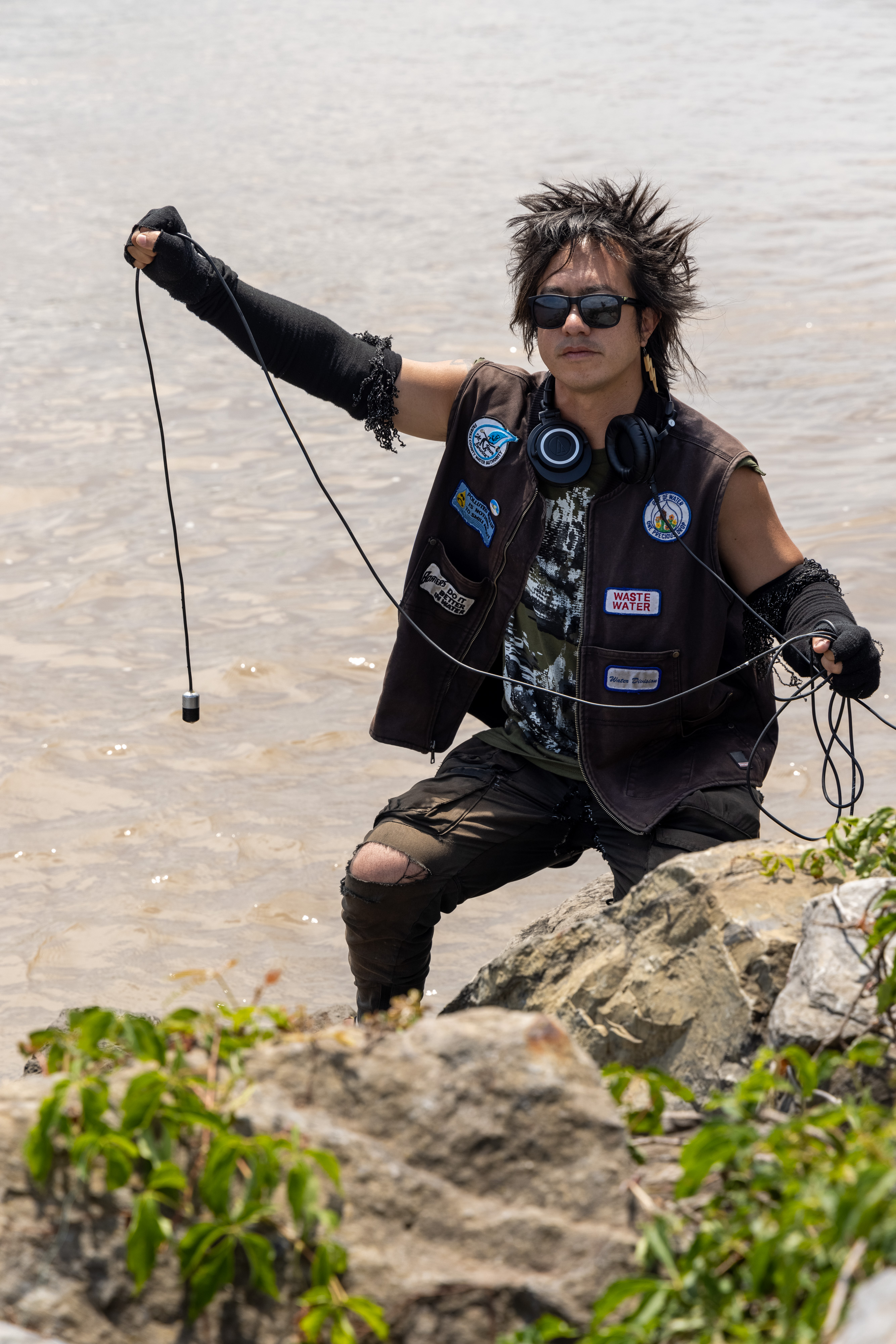 sTo Len Recording the Hudson River during his Wave Farm Residency (14)