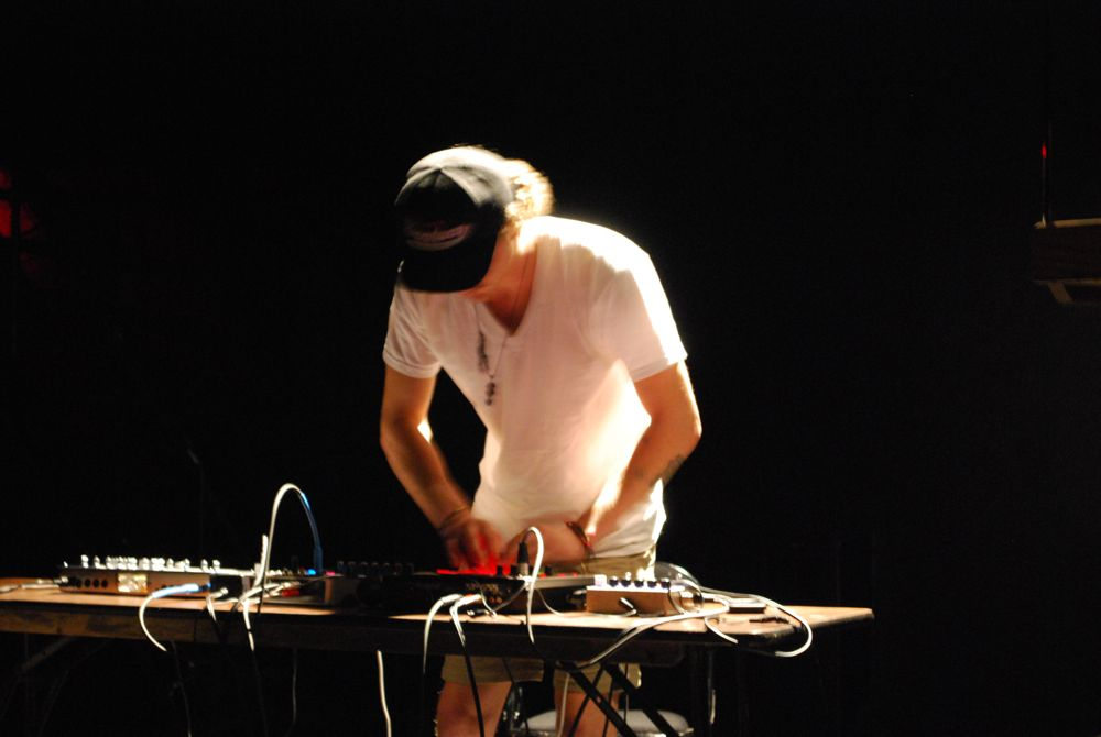 GDFX performing at Noise! 2009